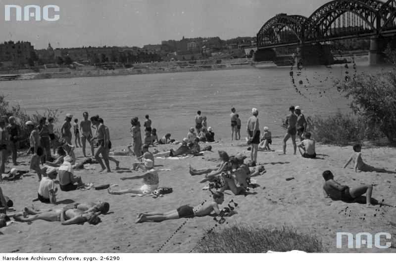 Warszawskie plaże nad rzeką